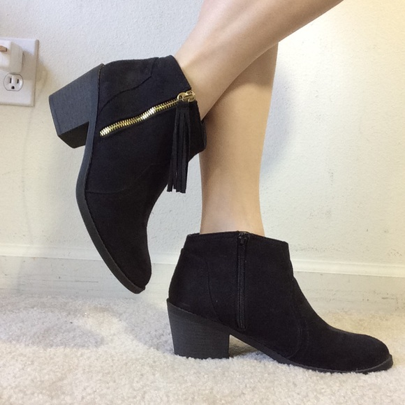 Soda Shoes - SODA black Ankle Booties Gold Zippers Fringe